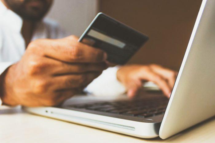 Platební karta – Bezpečné používání Vám ušetří peníze