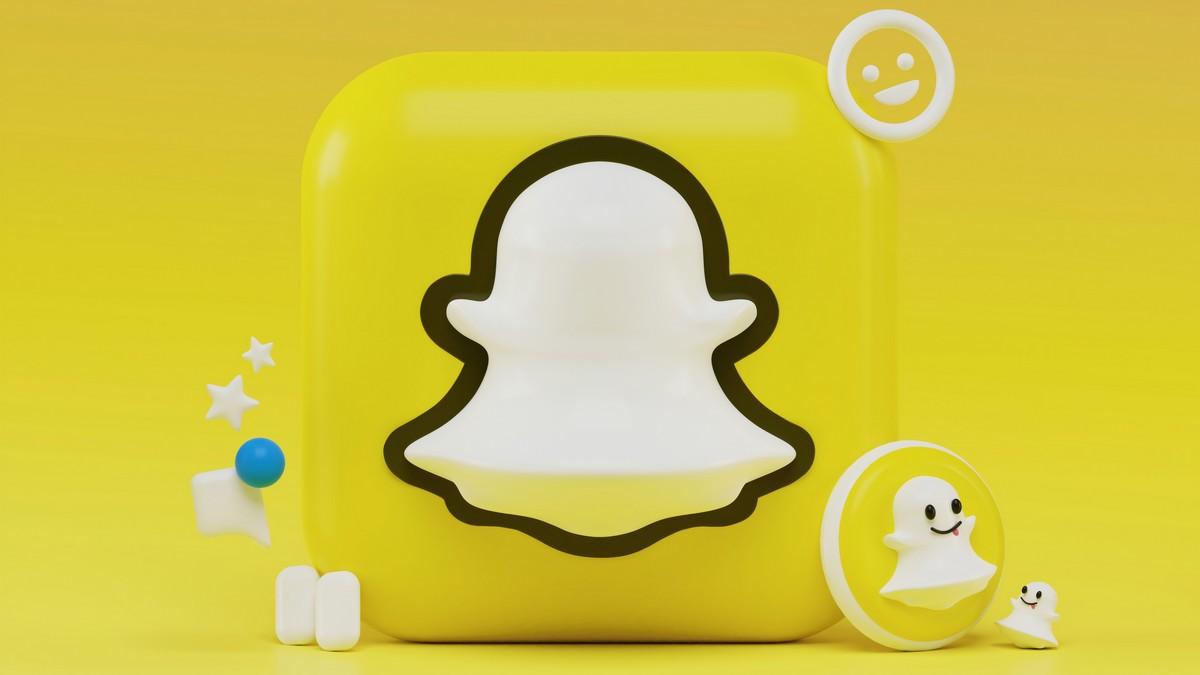 Bíložluté logo, které je vlastní pro aplikaci Snapchat.